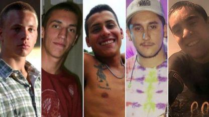 Complicados. Los cinco jóvenes que están presos por la causa.
