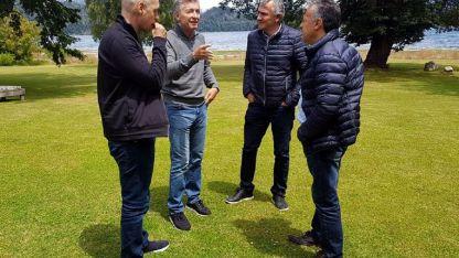 La única foto que trascendió del encuentro: Larreta, Macri, Morales y Cornejo, ayer en el country Cumelén.