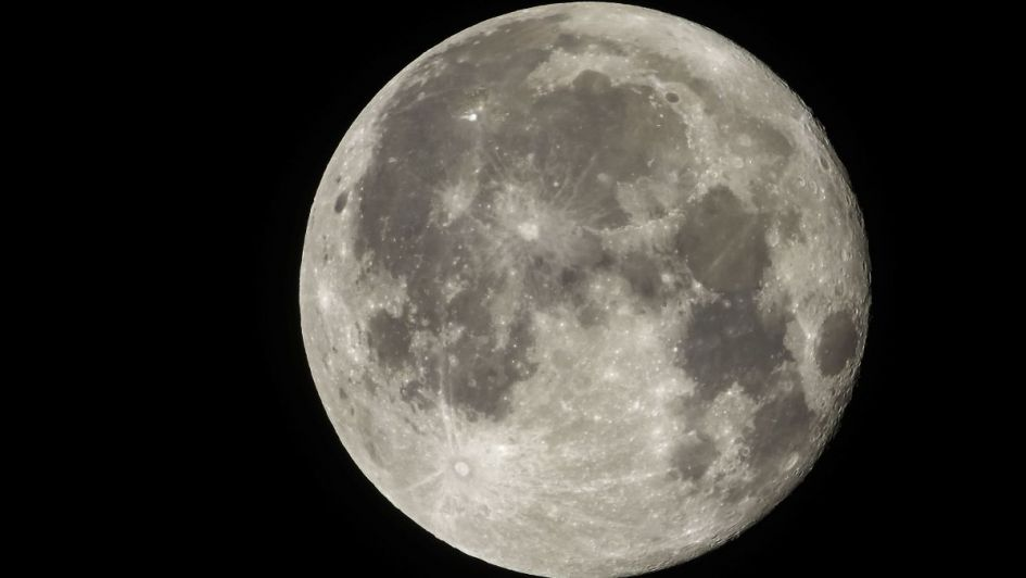 Difundieron una inédita e impactante foto de la cara oculta de la Luna