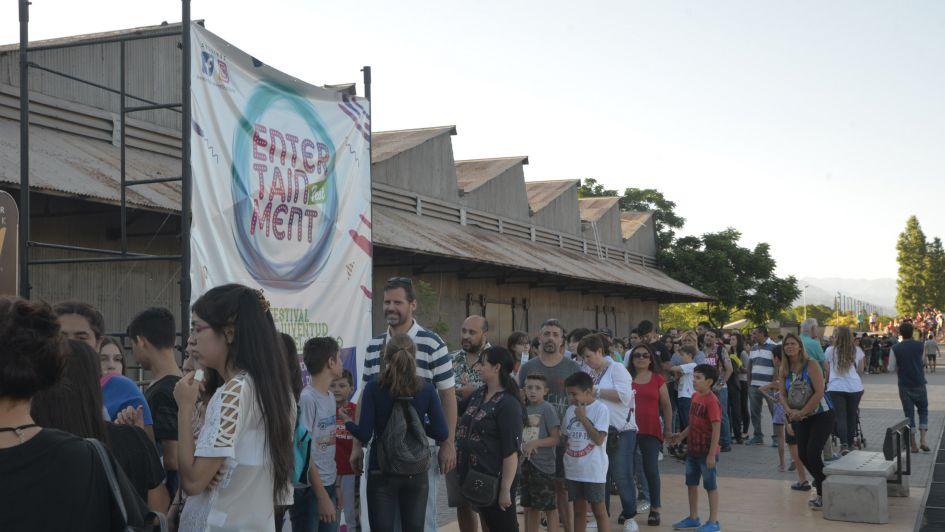 La Báscula recibió a más de mil jóvenes que asistieron a la Entertainment Fest