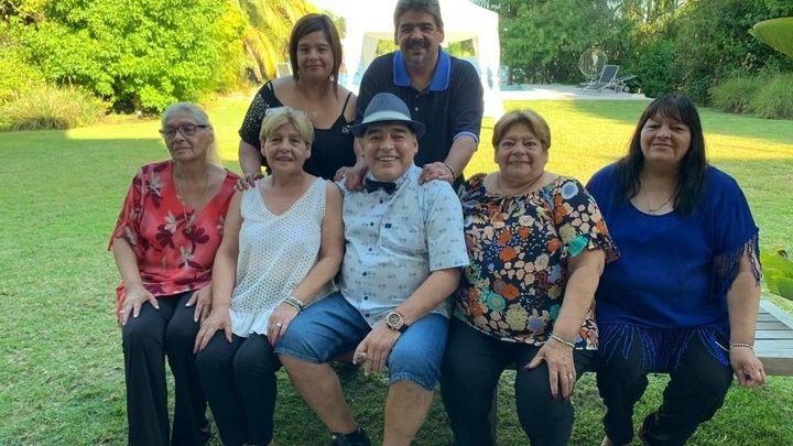 Diego Maradona fue operado por una hernia
