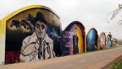 Desde 2013. Las obras fueron realizadas durante un encuentro latinoamericano de muralismo.