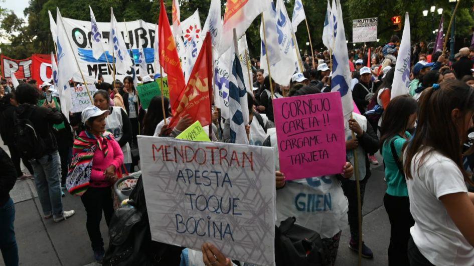 Convocada por la CGT, hubo una nueva marcha para protestar contra el Mendotran
