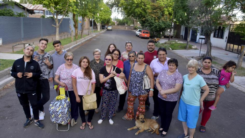 Godoy Cruz: se les quemó la casa y sus vecinos les dan una mano