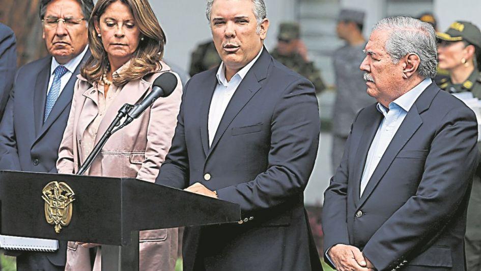 Colombia adjudica el atentado al ELN y apunta a Venezuela