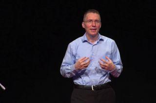 Reconocido. Jason Padgett  brinda conferencias en los Estados Unidos.