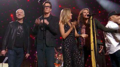 Historia. En 2015 famosos cantaron en el Madison Square Garden.