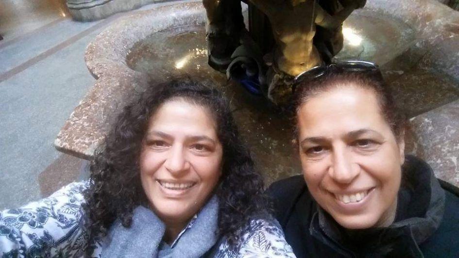 A un mes de los asesinatos, despidieron en su país natal los restos de las israelíes