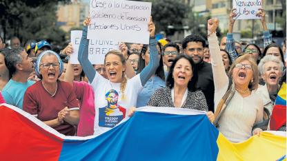 Lilian Tintori, esposa del líder opositor bajo arresto domiciliario Leopoldo López, lideró una de las marchas.