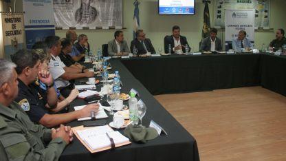 Encuentro. Muchas autoridades presente durante la reunión.