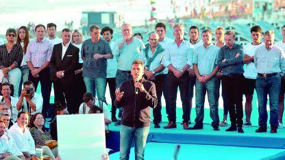 Opositores. Sergio Massa habla ante los dirigentes de Alternativa Federal en Mar del Plata.