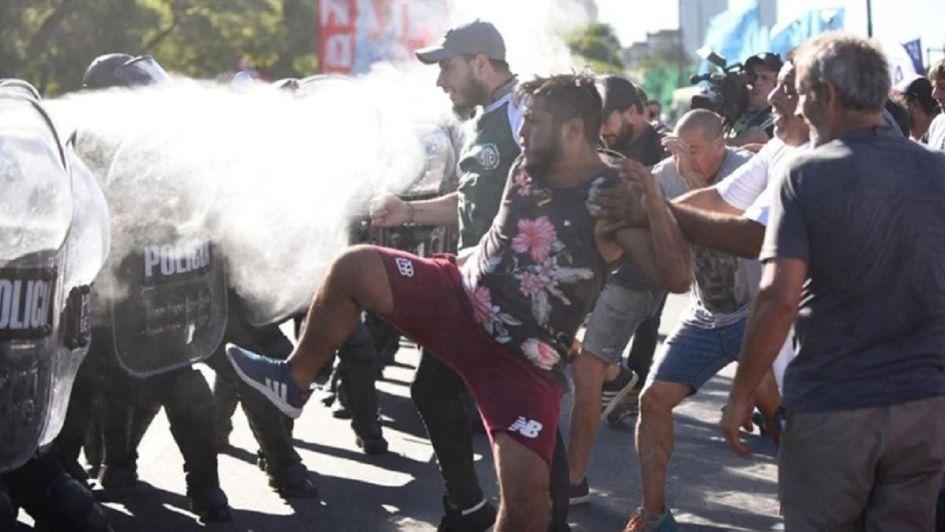 Hubo incidentes en la marcha a favor de Maduro en Recoleta