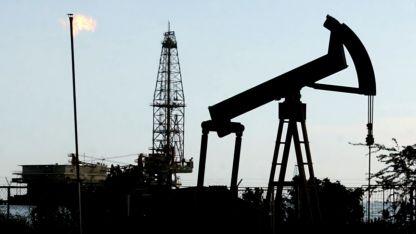 Dependencia. La industria del petróleo aporta  más del 90 por ciento de los ingresos venezolanos.