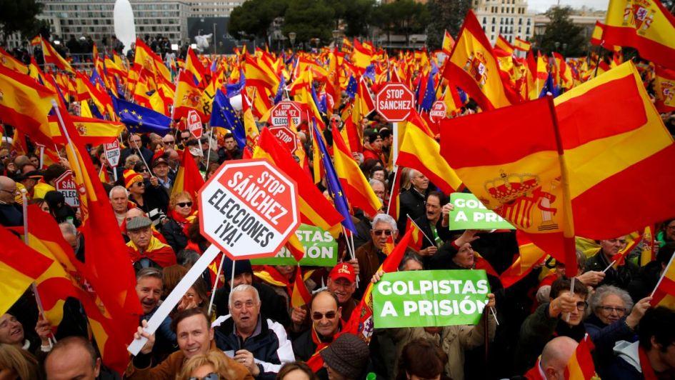 La derecha se manifiesta en Madrid y pide dimisión del presidente Sánchez
