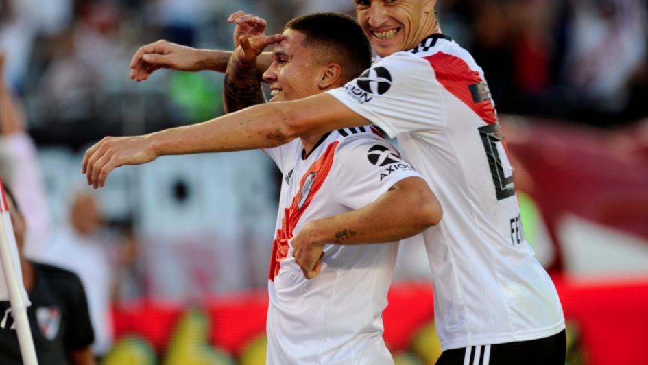 Le muestra la camiseta y le gana: River venció a Racing y calienta la Superliga