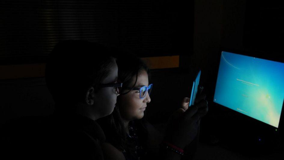 Educación: pantallitas, niños y una brecha digital pero al revés