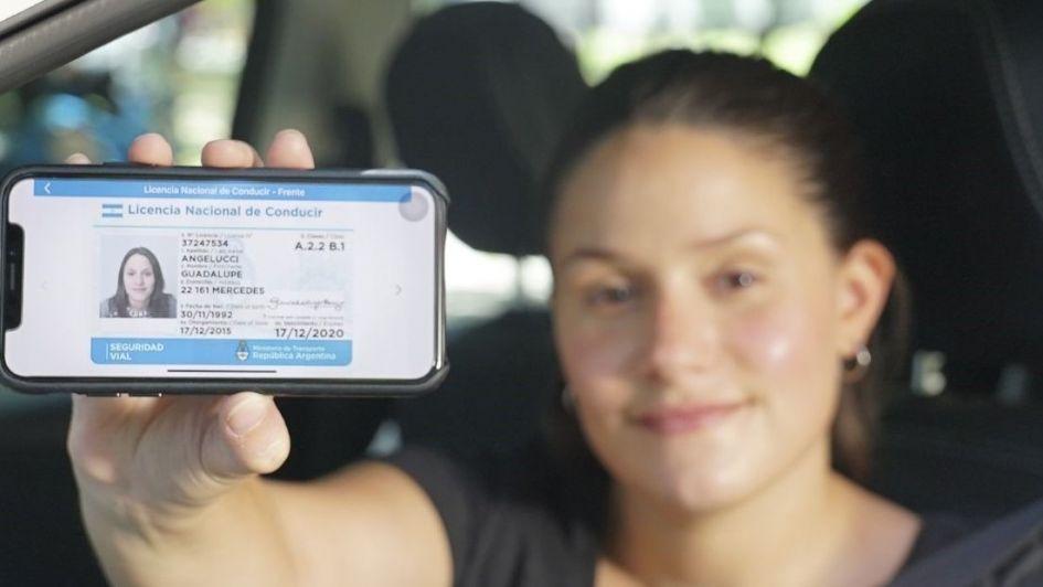Lanzan la nueva licencia de conducir digital para llevar en el teléfono celular