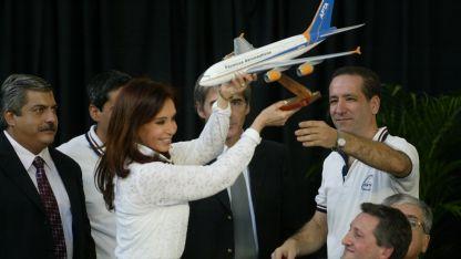 El juez federal reclamó que se investigaran los múltiples vuelos a Santa Cruz