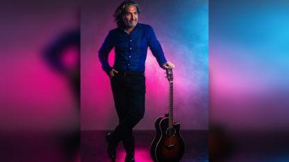 """Gustavo Maturano. Presenta su show """"El amor vale la pena""""."""