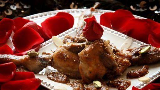 Pollo con pétalos de rosas: para seguir enamorándose