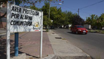 Los vecinos, la Policía y el municipio se han unido para dar seguridad a este barrio.