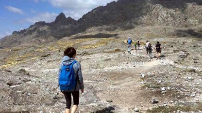 Una hermosa y exigente caminata por senderos en el macizo Los Gigantes en plena sierra cordobesa.