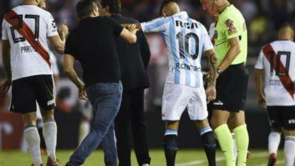 Mal ejemplo. El jugador de Racing, que Godoy Cruz pretendió, ha tenido muchas actitudes que deben ser repudiadas.