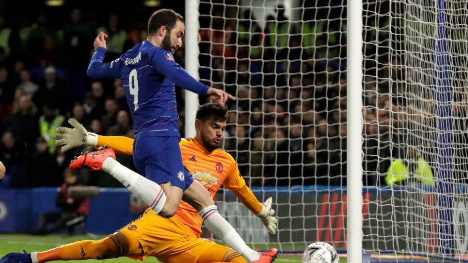 Manchester eliminó al Chelsea del Pipa Higuaín