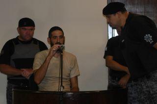 En la sala. Gilad sorprende con sus reacciones en Tribunales.