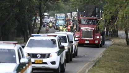 Camiones con ayuda humanitaria llegaban a Cúcuta, ayer.