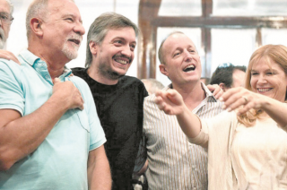 El líder de La Cámpora terminó sellando la alianza electoral con el PJ orgánico.