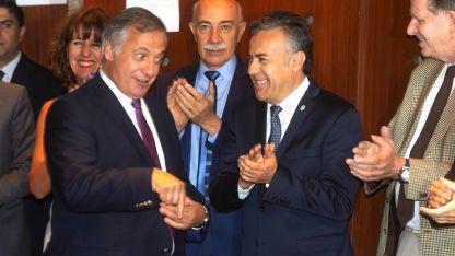 Gullé, Valerio, Cornejo y Nanclares compartieron el sorteo de los números.