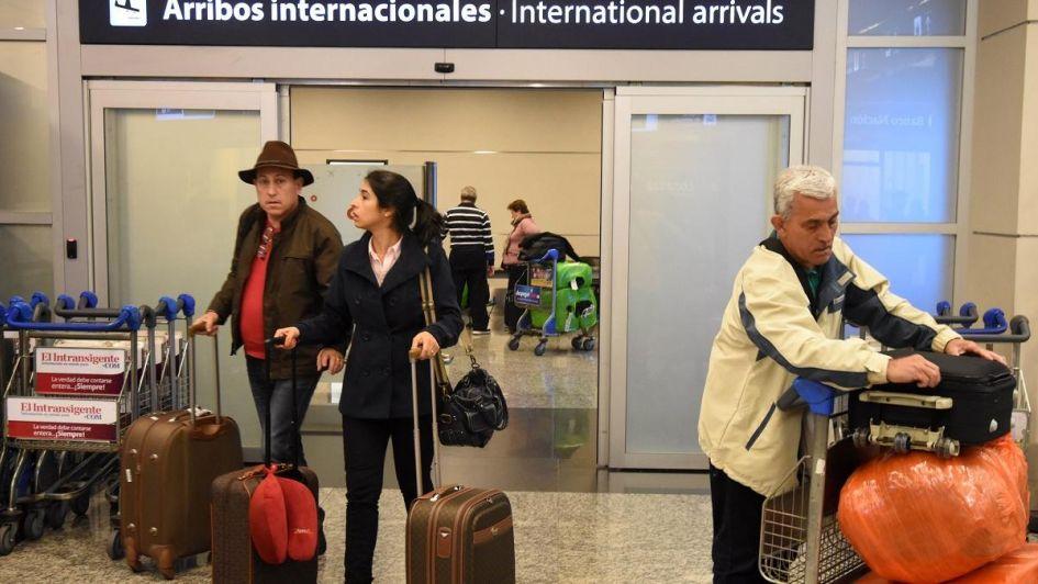 Habrá mayores restricciones para extranjeros que quieran ingresar al país
