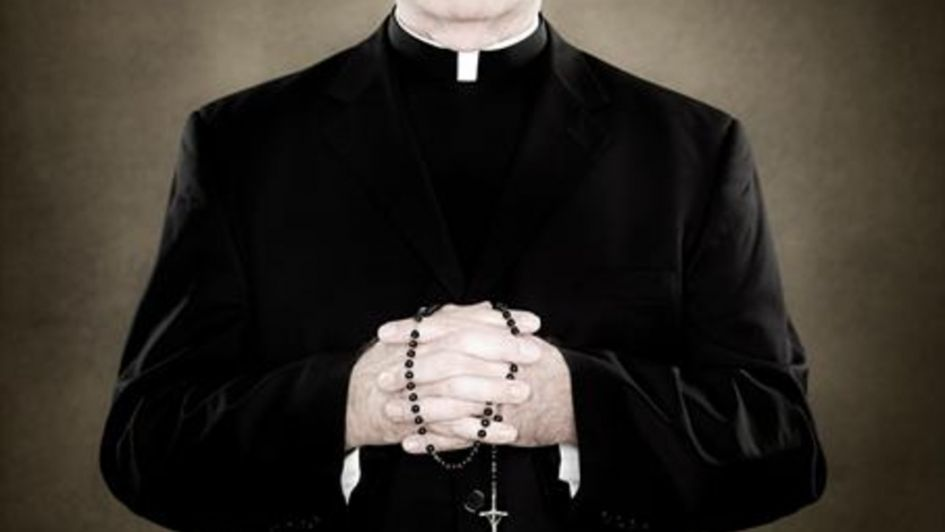 El sacerdote asesino - Por Luciana Sabina