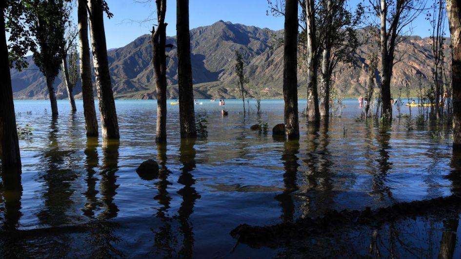 Los ríos traen más agua y Potrerillos se llenó en dos meses