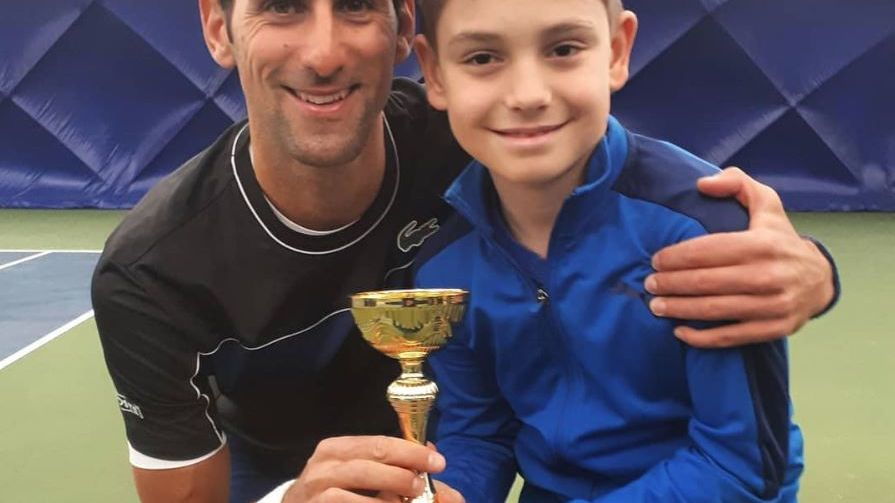 ¿Quién es el pequeño Messi del tenis que apadrina Novak Djokovic?