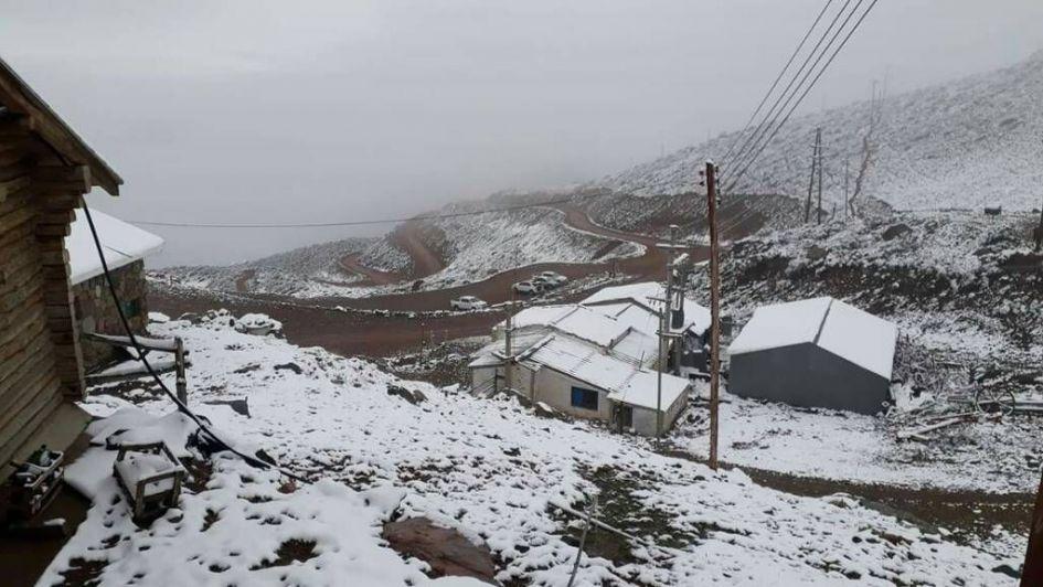 Una sorpresiva nevada en Vallecitos anuncia la llegada del otoño