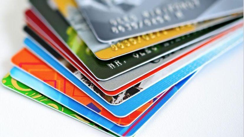 Por primera vez se podrán emitir adicionales de las tarjetas de débito