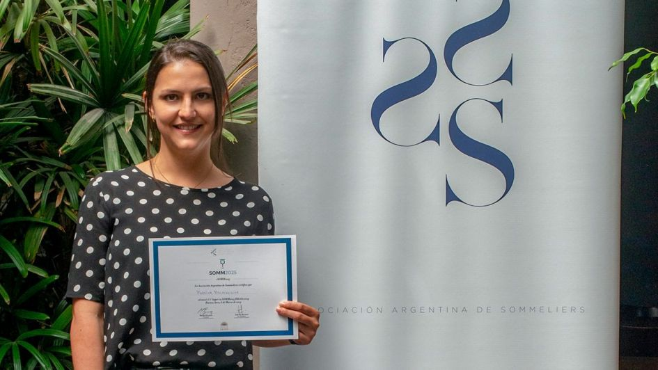 La sommelier Martina Mielnikowicz, ganadora del SOMM2025