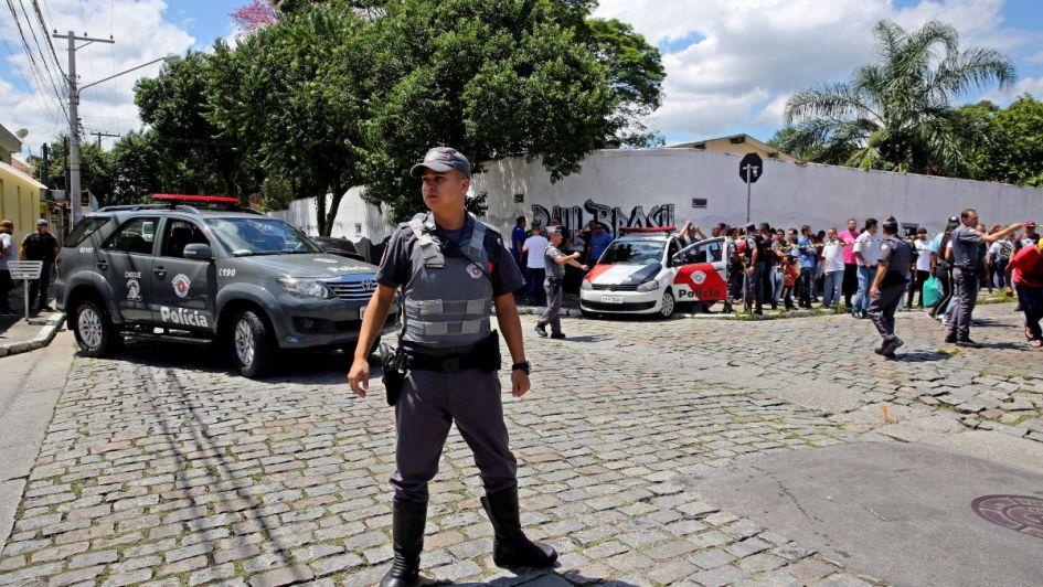 Conmoción por la masacre en una escuela de Brasil: ocho muertos