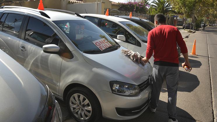 Aumentaron los costos para patentar y transferir autos