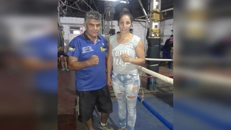 Karen Alaniz se pesa en Uruguay