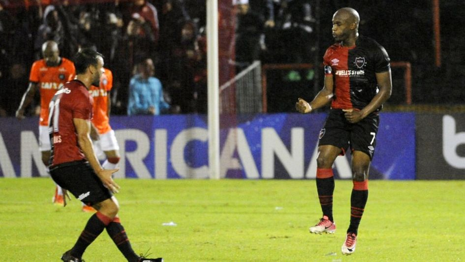 Superliga: dos adelantados