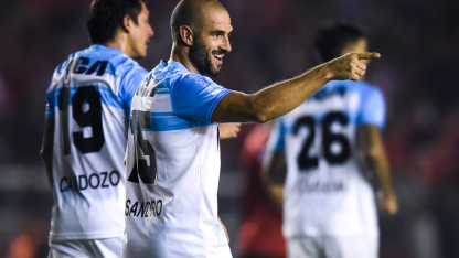 Racing juega hoy ante Belgrano de Córdoba.