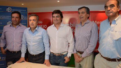 Otros tiempos. Cairo (Pro) Cornejo, De Marchi, Battagión y Gutiérrez (Ari). Todos para ganarle al PJ.
