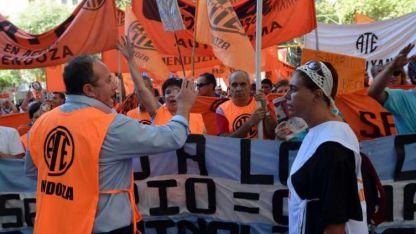 Los dirigentes sindicales Roberto Macho y Raquel Blas.