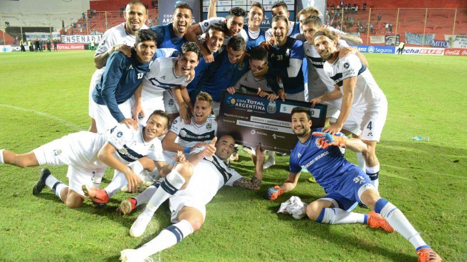 Gimnasia La Plata le ganó por penales a un equipo del Federal A