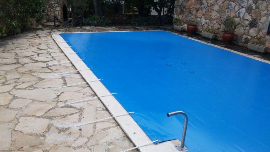 Tips para mantener tu piscina en el otoño