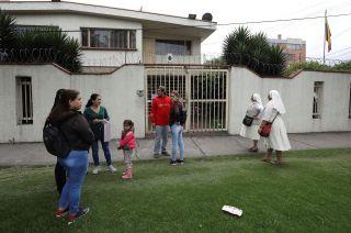 Ciudadanos venezolanos en Colombia se encuentran en problemas para realizar sus trámites.