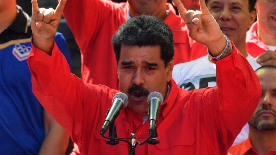 Maduro suspendió actividades laborales y educativas por el apagón masivo y culpó a Trump